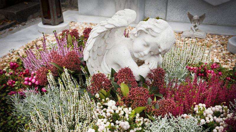 Allerheiligen nat rliche arrangements liegen im trend for Floristik allerheiligen