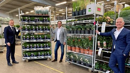 v.l.n.r.: Arthur van Dijk, Marco van Zijverden und Machiel van der Kuijl bei der Dutch Flower Group. Bild: Dutch Flower Group.