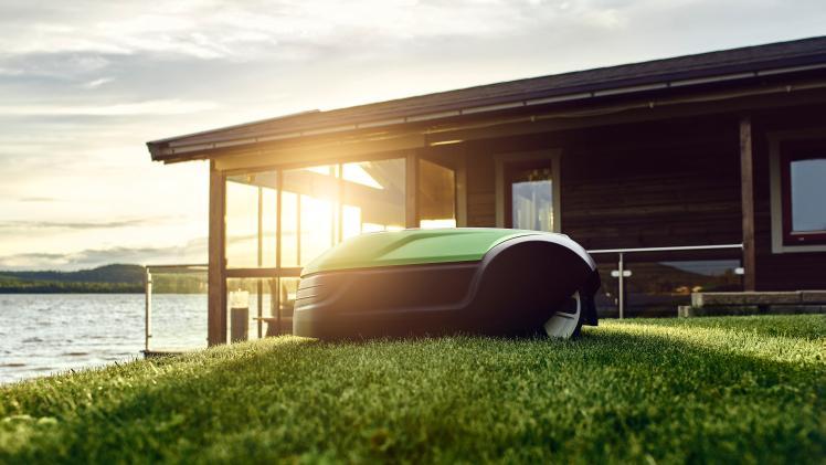 greenworks der leise optimow. Black Bedroom Furniture Sets. Home Design Ideas