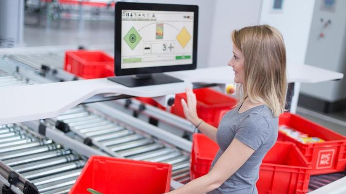 Picnic baut ein Automatisiertes High-Tech-Fulfillment-Center. Bild: obs/Picnic
