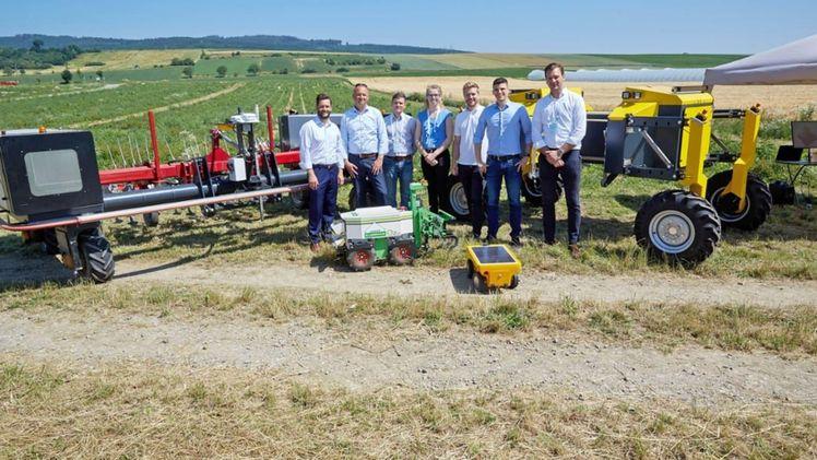 Atemberaubend BayWa und RWA: Suchen den besten Agrar-Roboter | Gabot.de &XH_06